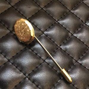 Vintage Gold Victorian Revival Retro Locket Brooch